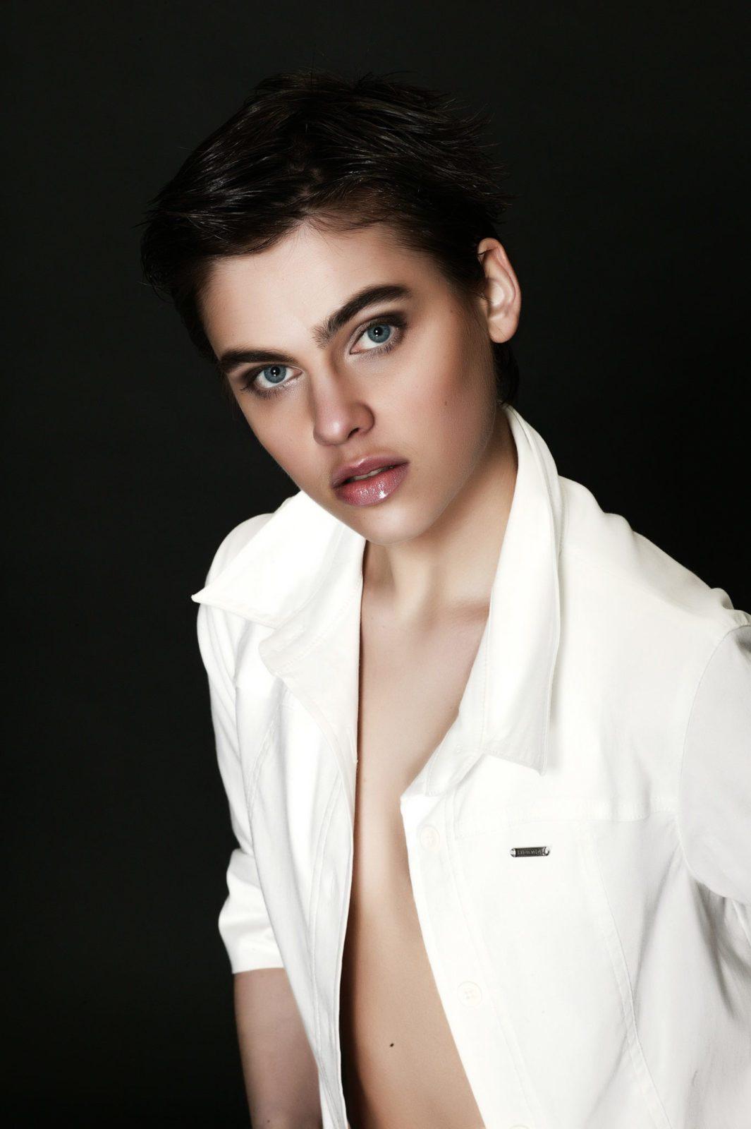 Nina Burri Nude Photos 3